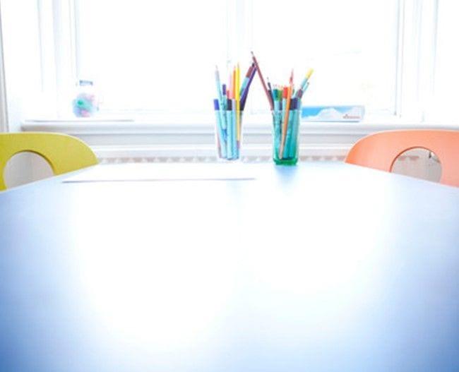 Bord med farvepenne
